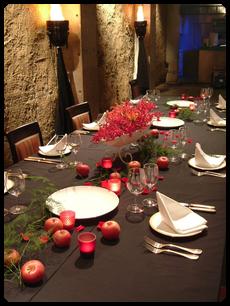 テーブル装花・赤と黒